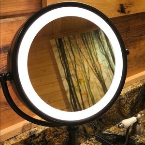 Magnifying Tap Light Makeup Mirror